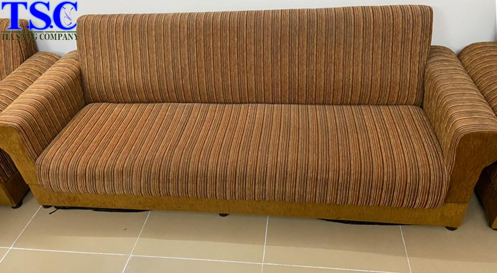 Ghế sofa sau khi giặt xong