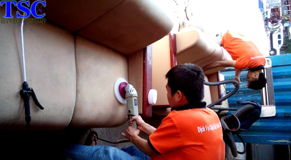 Giặt ghế sofa chất liệu bằng vải, da, simili